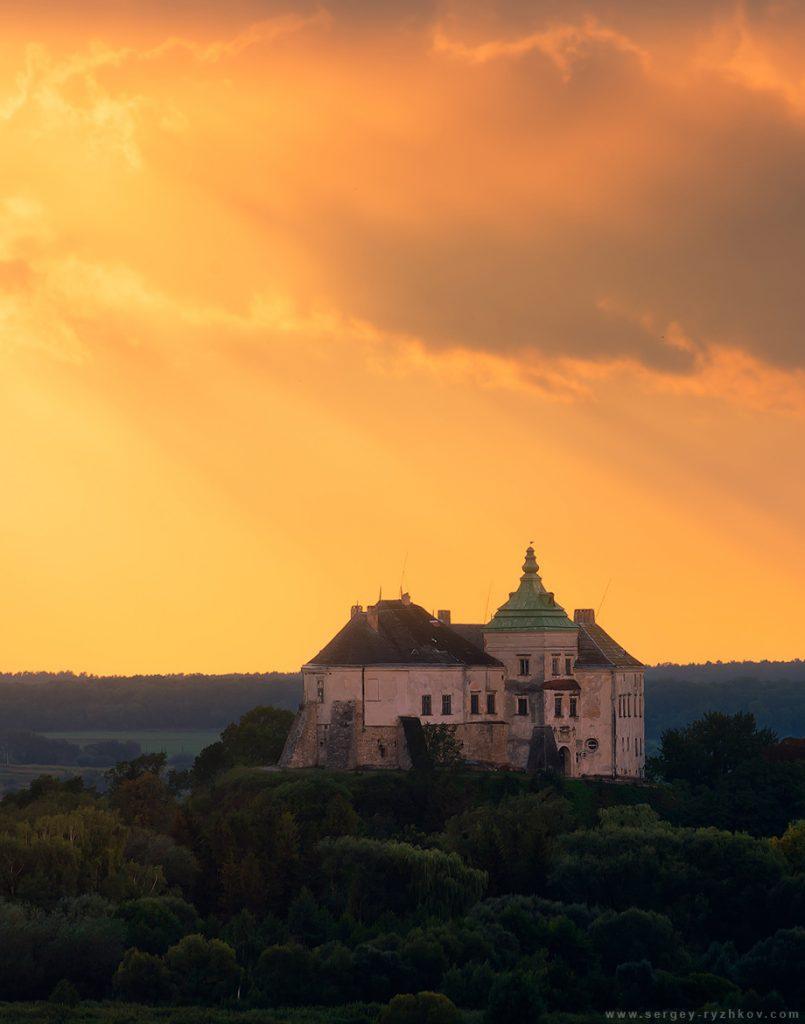Захід сонця над Олеськом