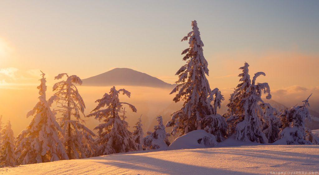 Гора Стримба на світанку