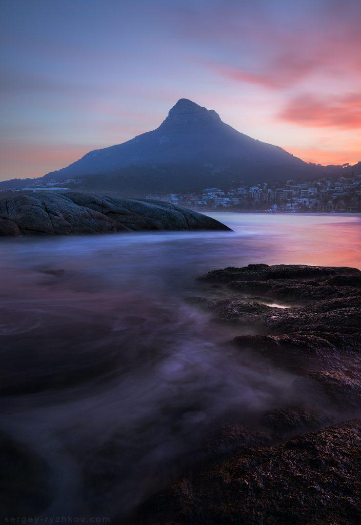 Перед світанком на пляжі Camps Bay