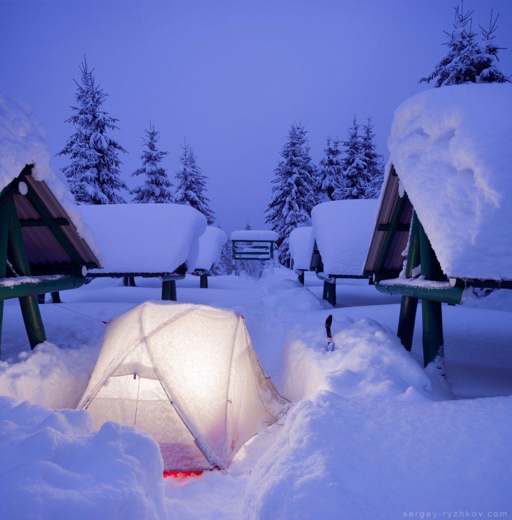 Зимовий табір на перевалі Присліп