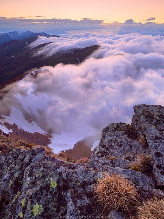 Весняні Карпати, тумани після грози