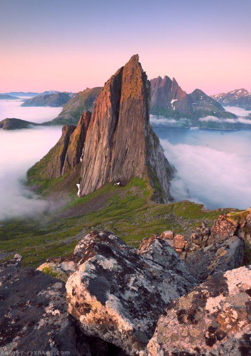 Гора Сегла у вранішньому світлі