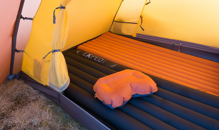 Exped Orion II, Downmat 9M and Synthmat 7M; Exped Air pillow